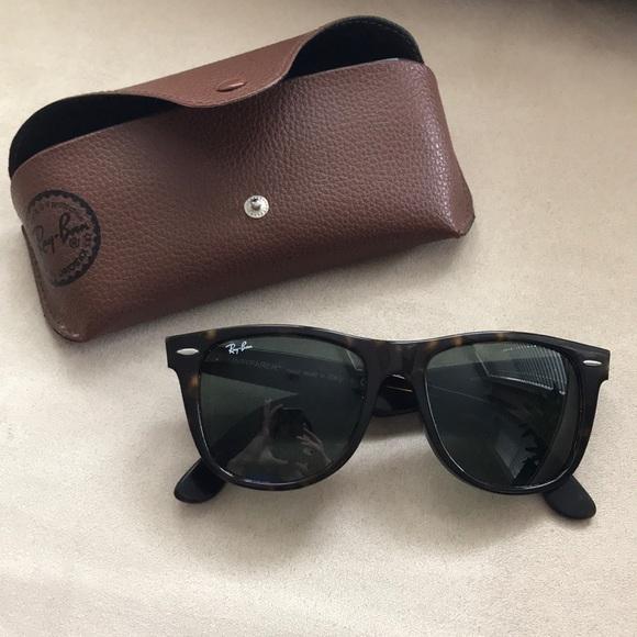 c0eca2361bb Ray-ban Wayfarer Tortoise Shell 54mm Sunglasses. M 5ac292189cc7ef1d47c7f439